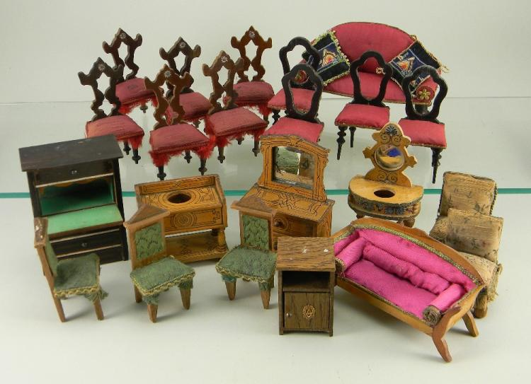 Selection Of German Dolls House Furniture 1890s 1900s